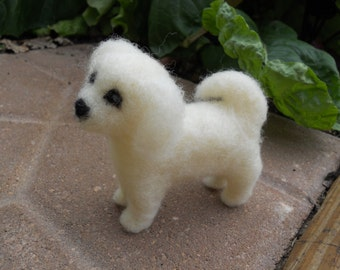 Needle Felt White Dog / Shih Tzu Figurine / Wool Felt Pet Animal / Toy Wool Puppy / Waldorf Soft Sculpture