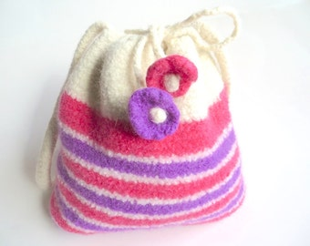 """Felt bag/pouch """"Phlox"""", pure new wool, crocheted, felted, ivory, off-white, violet, purple, raspberry, pink, floral, OOAK, one of a kind"""