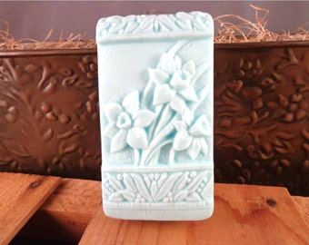 Flower Soap: Beautiful Daffodils on a Soap Bar, Floral Decorative Guest Soap, You Choose Color & Scent