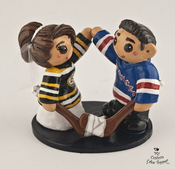 custom hockey wedding cake toppers hockey wedding cake topper and groom by 13202