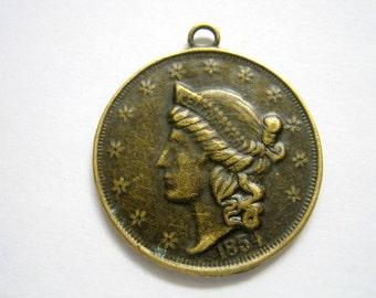 Antique Bronze Queen's Head Pendant - 6pc (b9-06)