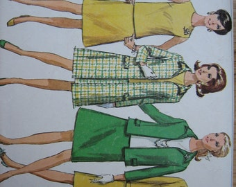 Simplicity Pattern 7543 Misses' Coat, Jacket, Overblouse and Skirt     1968