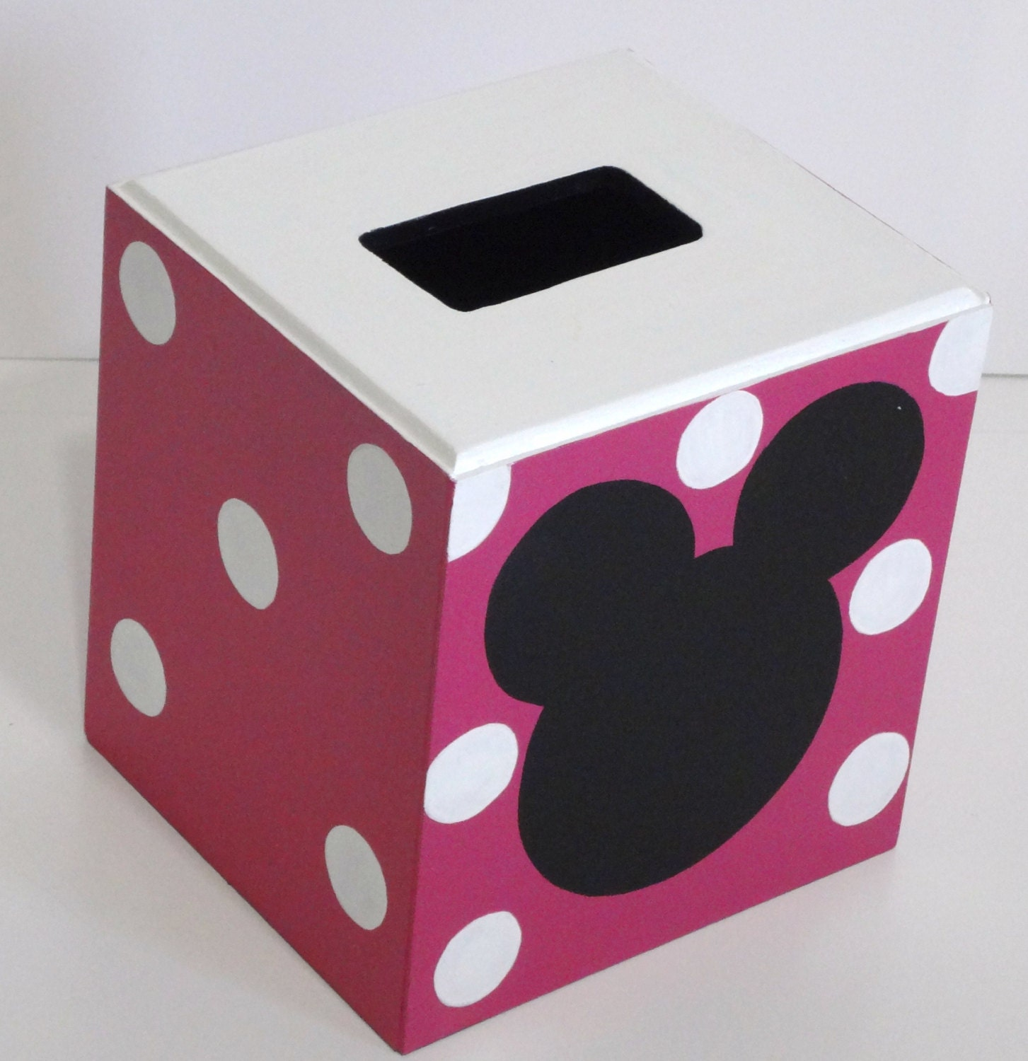 Hot pink tissue cover black silhouette tissue box bathroom for Hot pink and black bathroom ideas