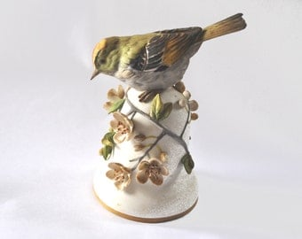 Springtime. Vintage bird Ceramic table bell 1980s Home decor Cottage chic