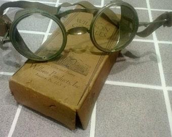 Vintage Willson Goggles wirh  Screen Sides