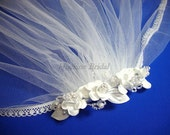 Flower Girl Headpiece, Floral Comb with lace edge Veil, First Communion veils