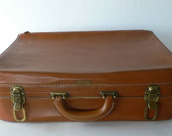 Vintage overnight bag, man's luggage, brown, from Diz Has Neat Stuff