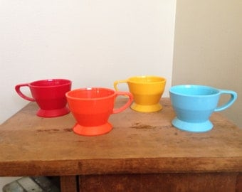 Vintage Solo cup holder plastic red orange yellow blue 68A