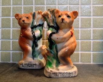Tree Huggers Salt Pepper Shakers Vintage 1940s 40s Housewares Bears Ceramic Souvenir Denver Colorado