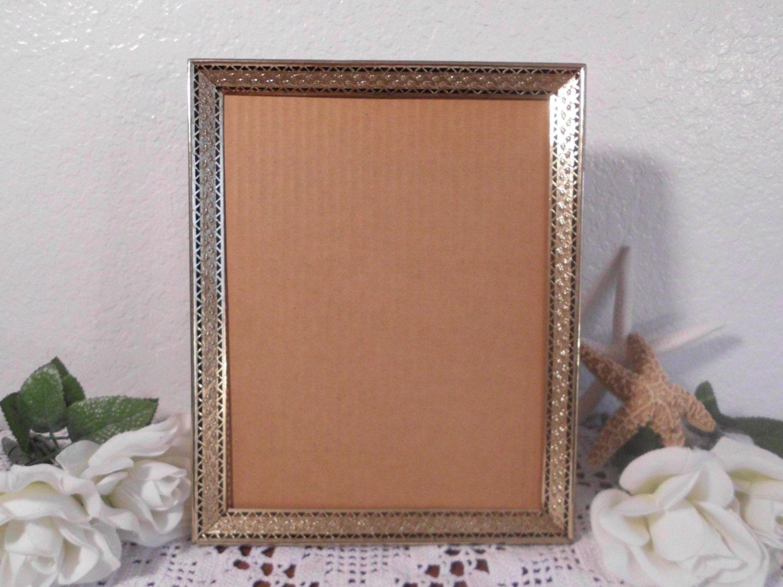 vintage picture frame 8 x 10 gold metal hollywood regency. Black Bedroom Furniture Sets. Home Design Ideas
