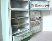 Vintage Tin Toy Refridgerator by Wolverine in Mint Green - thimbledoodlesattic
