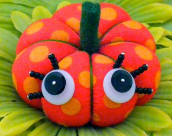 Pumpkin Pincushion Pattern, Fabric Pumpkin Tutorial, Halloween Pincushion, Fall Pincushion, Vintage Look Pincushion, DIY Fabric Pumpkins