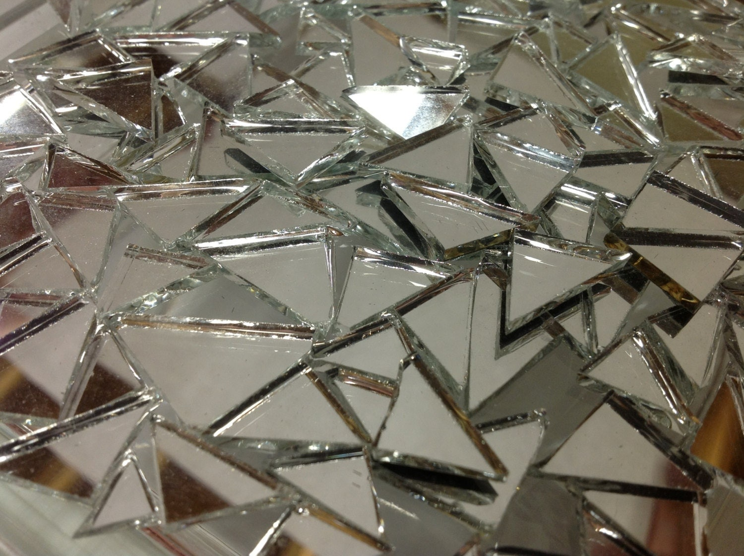 50 triangle mirror tiles mix stained glass mosaic supply m6 for Cracked mirror tiles