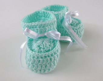 Crochet Mint Green Baby Booties for 0 to 3 Month Babies