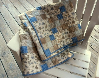 Blue and Tan Quilt, Woodland Quilt, 9 Patch Quilt, Leaves and Acorns Quilt, Floral Quilt, Blue Quilt, Tan Quilt