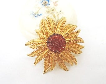 Vintage Starburst Flower Brooch/Pin/Pendant, 1960s. Signed Sarah Coventry, UK Seller