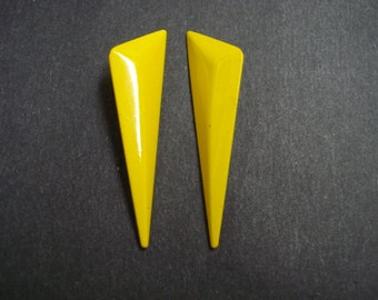 Very PRETTY VINTAGE EARRINGS Beautiful  Canary Yellow Color For Pierced Ears Art Deco Style