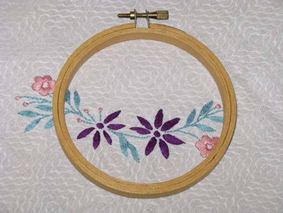 Vintage embroidery hoop round wood screw tension