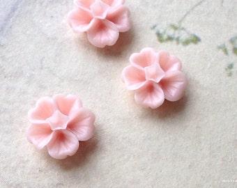 13 mm Light Light Pink Morning Glory Resin Flower (.ss)