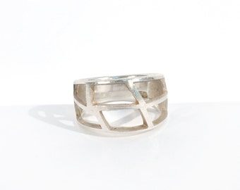 Vintage Cut-Out Sterling Silver Handmade Ring Caged Open Effect Geometric Unique