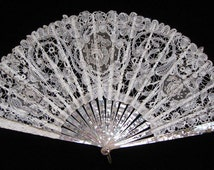 CLEARANCE!!!!   Antique Edwardian Belgian Duchesse Bobbin and Point de Gaze Lace and MOP Fan