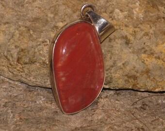 Sterling silver carnelian agate pendant