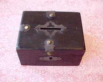 Handsome little Arts And Crafts Era Wooden Coin Box Treasure Chest