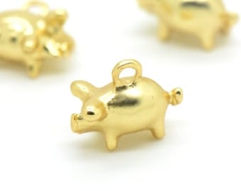 2 - Small Pig charms in 24k Matte Gold Plated Farm Animals Oink Pigs Prize Pig Animals (H011)
