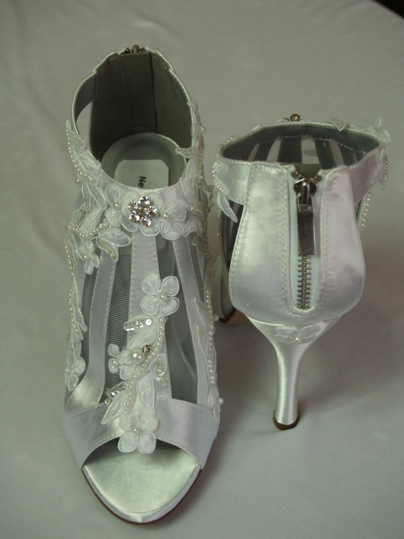Victorian Wedding Boots Modern Shoes High Heels Lace Appliqué. Black Bridesmaid Dresses Red Shoes. Disney Princess Wedding Dresses Plus Size. Corset Wedding Dresses Images. Where To Buy Vintage Wedding Dresses Online
