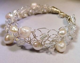 Wedding Freshwater Pearl and Crystal Bracelet