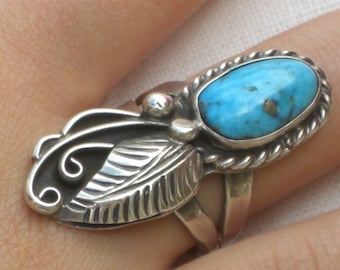 Ring - Turquoise - Sterling Silver - South Western - December Birthstone - Vintage