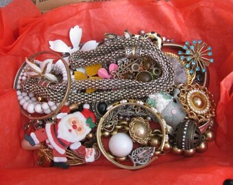 Small Flat Rate Box Full Of Vintage Good to Destrash Jewelry for Resale Or Crafting #2
