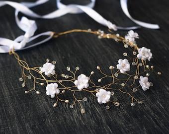32_White wedding hair accessories, Flower crown, Flower hair piece, Flower tiara, Crowns, Wedding crown, Flower hair accessories, Flowers.