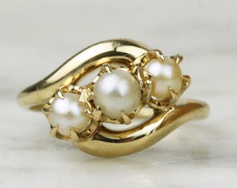 Victorian 14k Yellow Gold Pearl Bypass Ring / Trilogy 3 Stone