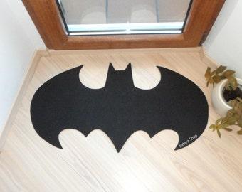Alfombra basada en el logotipo de Batman. Decoración con alfombras. Ideal para la habitación.