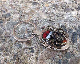 Mosaic Spider Key Chain, Creepy Crawler Spider, Stained Glass Key Chain, Halloween Gift, White and Red Key Chain, Oval Key Chain, Spooky