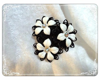 Mid Century Plastic Black & White Flowers with Rhinestone Centers - Brooch Pin -  1285a-083013000