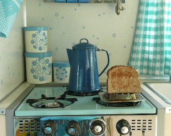 Vintage Camp Toaster, Metal Bread Toaster, Open Fire, Stainless Steel - Vintage Travel Trailer Decor