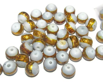 10 - 8mm pale blue grey glass beads with sparkle gold stripe (010)