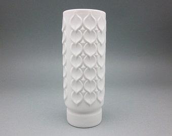 Vintage bisque porcelain Op Art Kaiser Vase (1960s)