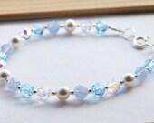 Blue Swarovski and Pearl Bridal Bracelet, Blue Bridesmaids Bracelet, Blue Wedding Bracelet, Blue Swarovski Bracelet
