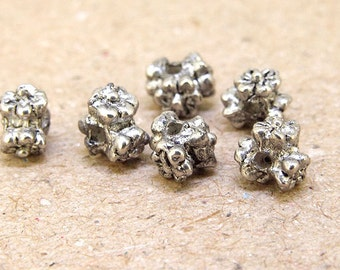 30Beads Charm Hole 2mm Flower Silver plated color metal finding Beads ----- 5mmx 5mm ----30Pieces   fitting handwork jewelry bead 2AD