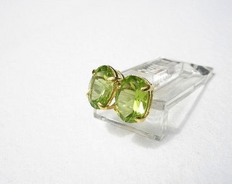 Natural Gemstone Peridot Faceted 7x5mm Oval Shape 14kt Yellow Gold Stud Style Earrings