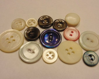 14 piece vintage shell button mix, 11-22 mm (B1)