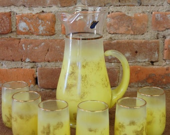 Mid-Century West Virginia Glass 22-Carat Gold and Yellow Ombre Pitcher and 6 Glasses Set