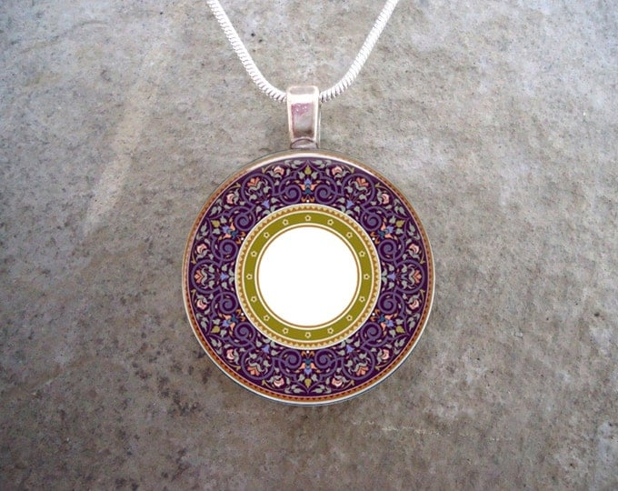 Celtic Jewelry - Glass Pendant Necklace - Celtic Decoration 29 - RETIRING 2017