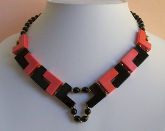 ART DECO Geometric Coral and Black Choker 1920s Vintage