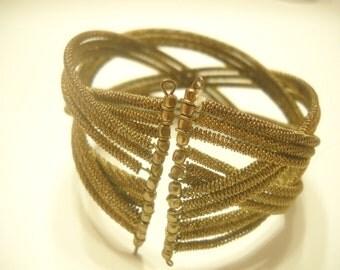 Vintage GOLD TONE WIRY Expandable Bracelet (1756)