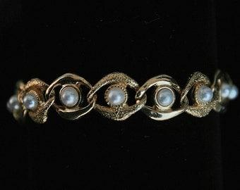 Vintage Goldtone Bracelet Faux Pearls Any Occasion