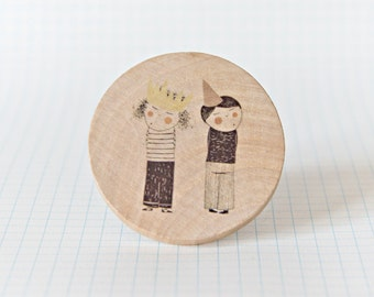 Illustrated wooden brooch - Twins